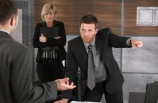 Принуждение к увольнению: как себя вести работнику, что грозит работодателю