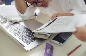 Увольнение главного бухгалтера по инициативе работодателя или по собственному желанию
